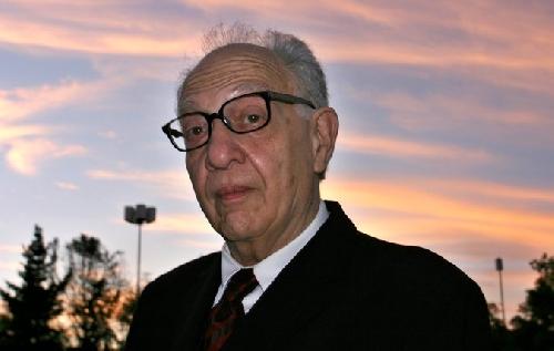 """Sergio Pitol – Nhà văn """"phá vỡ những rào cản của thể loại"""""""