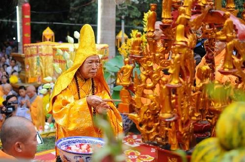 Trang nghiêm Lễ Mộc dục và rước Phật cầu Quốc thái dân an