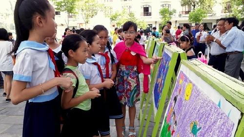 Vui Tết Trung thu cùng nghệ thuật Điềm Phùng Thị