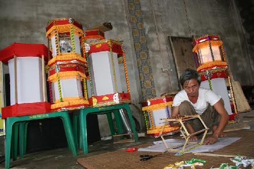 Người giữ lửa nghề làm đèn kéo quân
