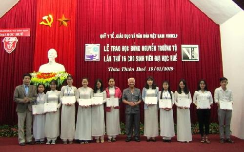 Trao 150 suất học bổng Nguyễn Trường Tộ cho sinh viên Đại học Huế