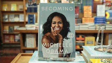 """Hồi ký của cựu đệ nhất phu nhân Michelle Obama """"gây sốt"""" toàn thế giới"""