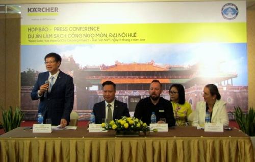 Họp báo Dự án làm sạch Cổng Ngọ Môn, Đại nội Huế