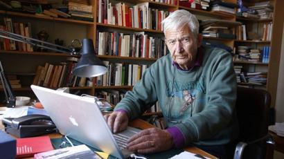 """""""Người khổng lồ trong số các nhà văn châu Âu"""" qua đời"""