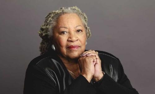 Toni Morrison, nhà văn của phong trào dân quyền