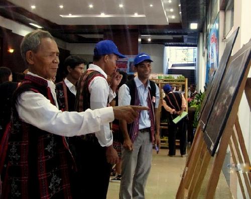 Triển lãm về những thành tựu phát triển kinh tế – xã hội vùng đồng bào dân tộc thiểu số tỉnh Thừa Thiên Huế