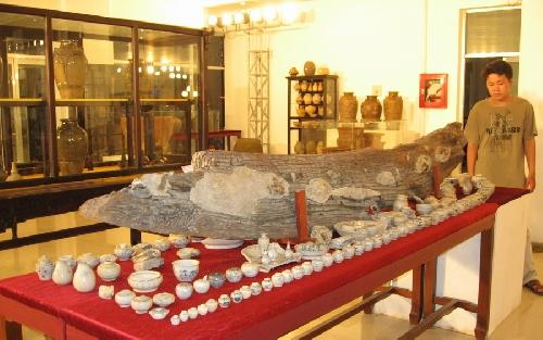 """Khai mạc """" Không gian làng nghề - Trưng bày cổ vật"""" và thuyết trình chuyên đề """" Thưởng ngoạn cổ vật"""""""