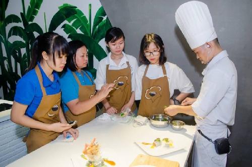 Phục hồi môn nữ công gia chánh cho học sinh THPT Thừa Thiên Huế