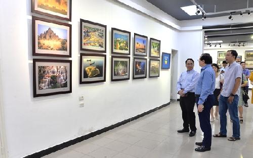 Sống động sắc màu ASEAN