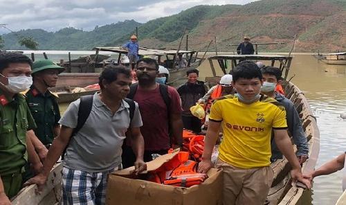 Vụ sạt lở thủy điện Rào Trăng 3: Đưa thi thể đầu tiên ra ngoài, cứu được 19 người