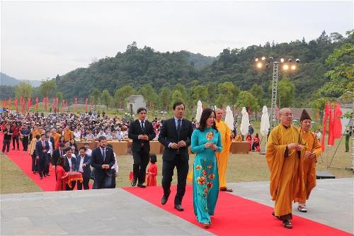 Về miền đất Phật mùa thu