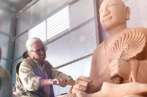 Khởi hành Lễ cung rước an vị Tôn tượng Phật hoàng Trần Nhân Tông