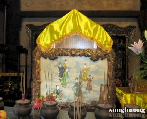 Thực hành tín ngưỡng thờ Mẫu Tứ phủ ở Huế - Những sắc thái biểu hiện