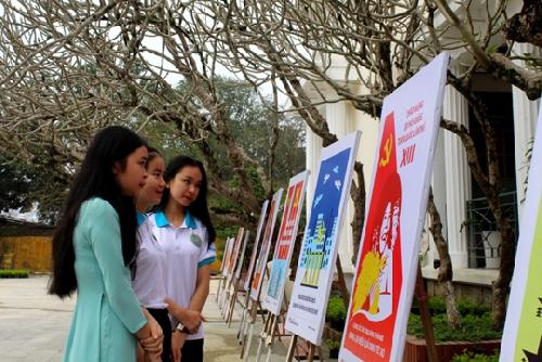 Triển lãm tranh chào mừng Đại hội Đảng toàn quốc lần thứ XIII