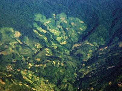 Một đoạn bờ thung lũng Khe Sanh